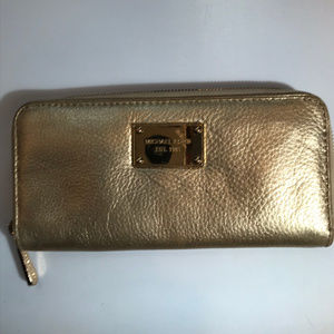 Michael Kors Golden Zip Wallet
